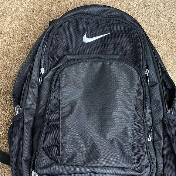 BLACK NIKE BACKPACK PERFECT CONDITION